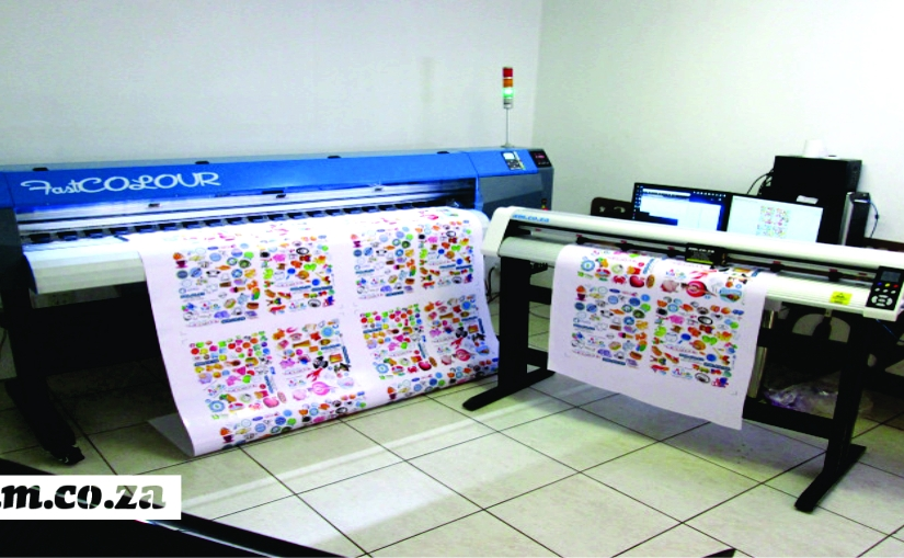 AM.CO.ZA's V-Auto Vinyl Cutter And FastCOLOUR Large Format Printer Dominate GAPP PRINT Expo